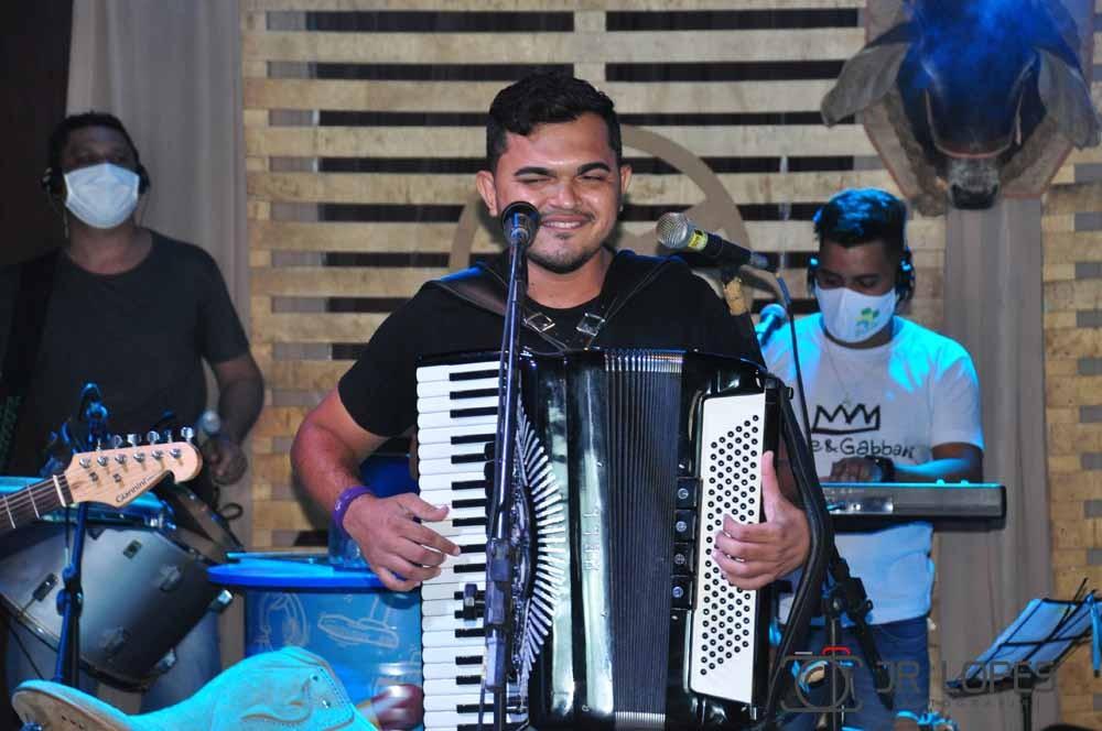 """Live Beneficente """"Mais Brasil"""" arrecadou mais de 3 toneladas de alimentos"""