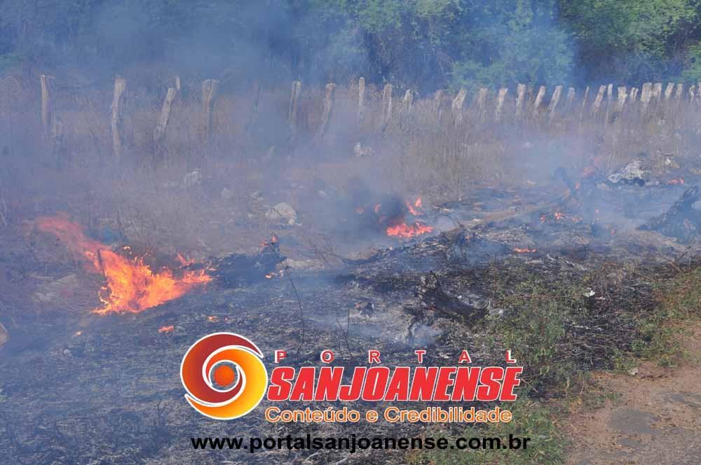 Fogo às margens de via em São João do Piauí deixou em risco quem trafegava no local