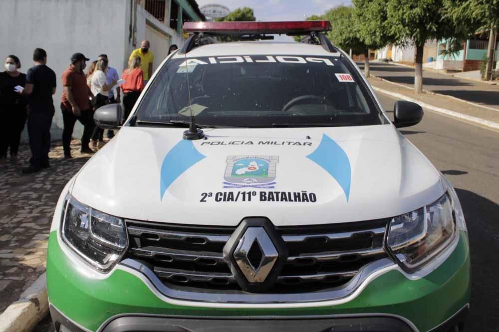 Em Capitão Gervásio Oliveira Deputada Rejane Dias entrega viatura à polícia e anuncia novos benefícios