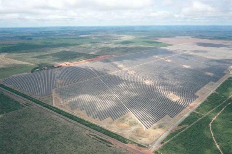 Maior usina solar da América do Sul entra em operação no Piauí