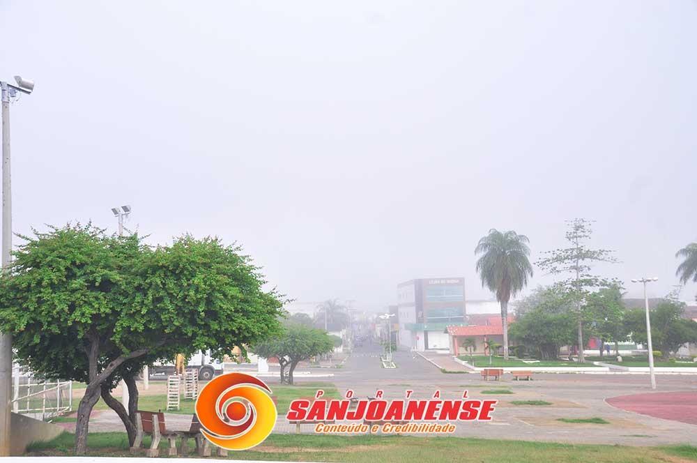 A alta umidade gerou neblina em São João do Piauí