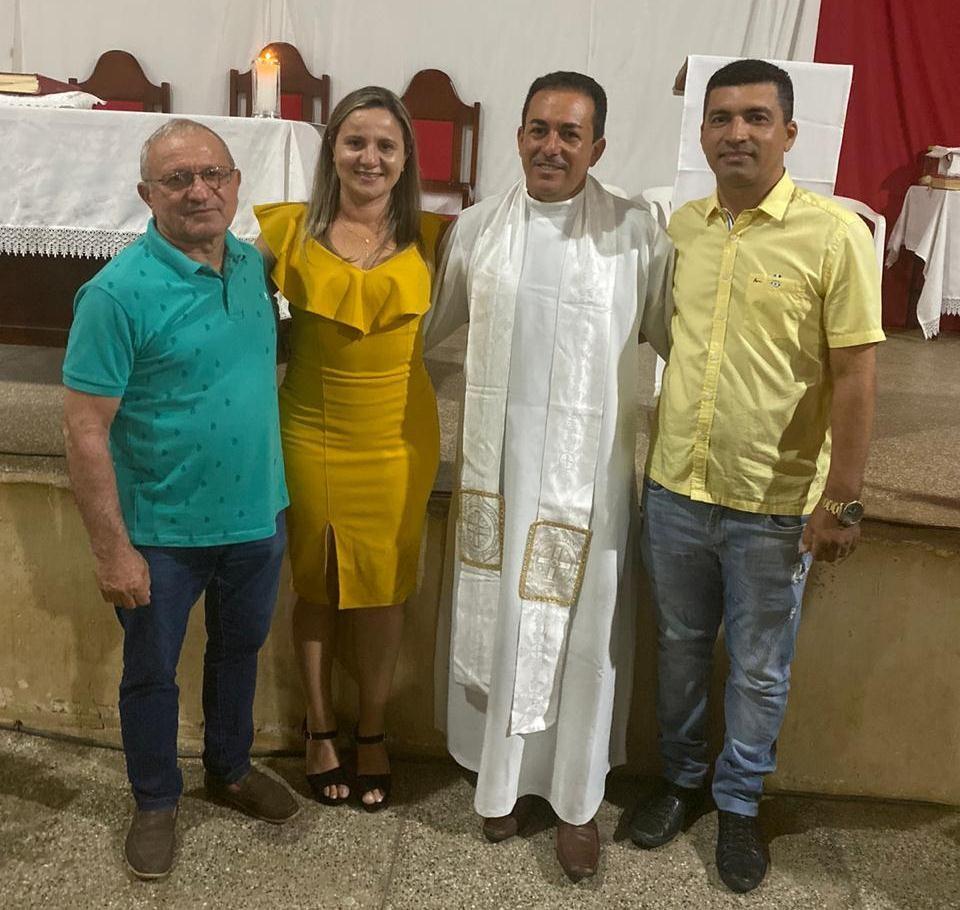 Padre Emanoel toma posse nas cidades de Campo Alegre e Capitão Gervásio Oliveira