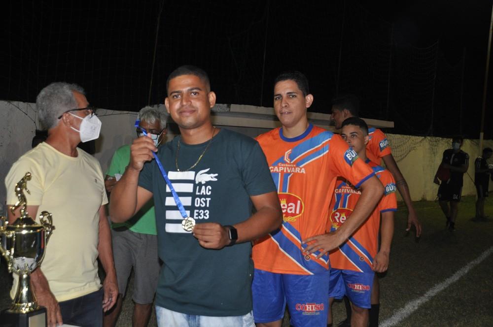 Final de torneio de futebol encerra com homenagem e música ao vivo em São João do Piauí