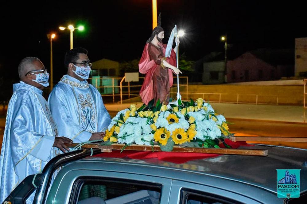 Procissão da Alvorada de São João Batista em São João do Piauí é realizada em carreata